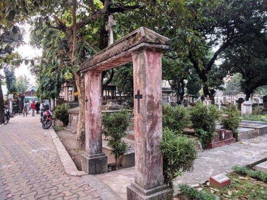 haunted Lower Circular Road Cemetery kolkata